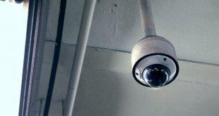 Grabación oculta: declarado nulo el despido del vigilante que veía películas y se dormía en la garita